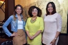 4.- Rossy Reyes, Deidamia Galan y Amelia Reyes.