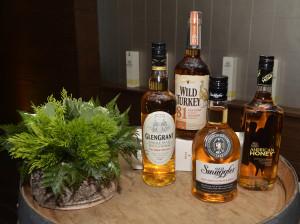 Foto 22 Set de Whiskys del Grupo Campari GlenGrant, Old Smuggler, Wild Turkey y American Honey