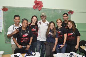 Fotografia 2 Pedro Peralta, Ingrid Valdez, Angela Taylor, Pedro Ureña, Eliany Mejia, Erika Pérez, Freddy Loinaz y Claudia Almonte