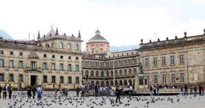 Un paseo por el Plaza Simón Bolívar de Bogotá también está incluido en el recorrido