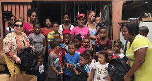 Programa de TV, Socializando Con Mirna, Realiza Charlas Educativas en Entrega de Mochilas