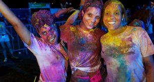 Holi Colors Fest llena de color el Puerto de Sans Souci