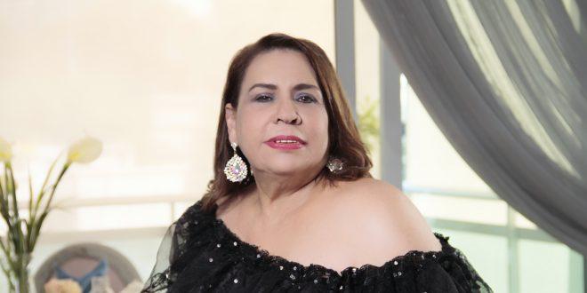 Mirna Pimentel y Chicas PR, Con Programación Especial de Fin De Año