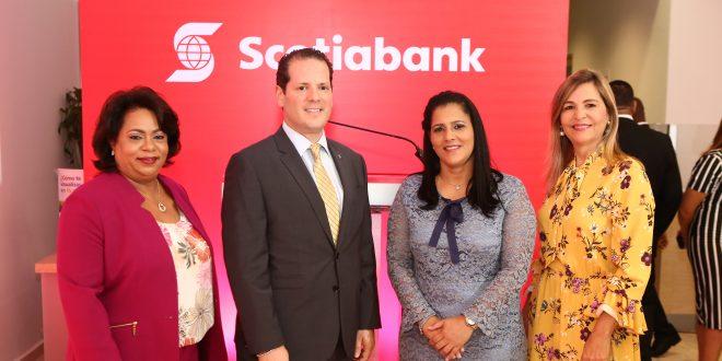 Scotiabank agasaja a sus clientes de sucursal Sambil